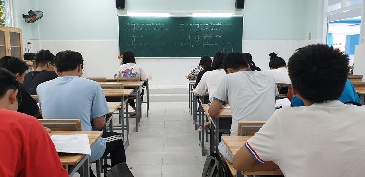 luyện thi đại học trường Đại học Khoa học Tự Nhiên TPHCM