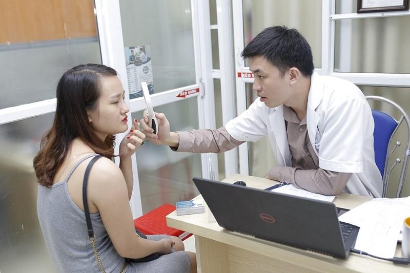 Bác sĩ da liễu trị mụn giỏi ở TPHCM - Lê Minh Châu