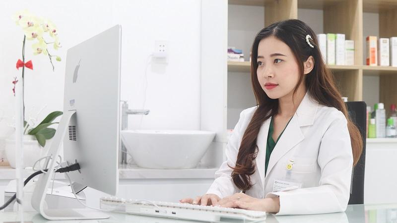 BS Nguyễn Duy Mỹ Ngọc là bác sĩ da liễu trị mụn giỏi ở tphcm