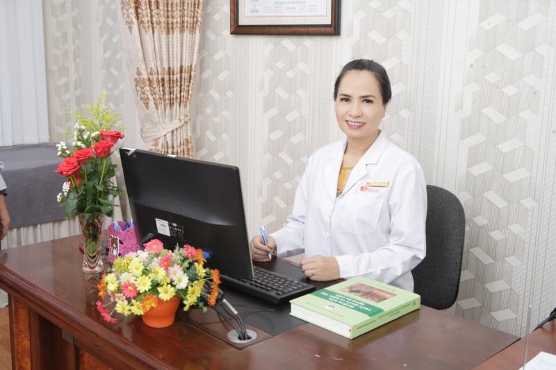 BSCK II Trần Thị Hoài Thương là bác sĩ da liễu trị mụn giỏi ở tphcm