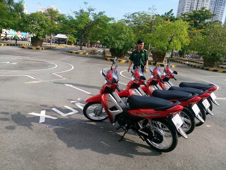 Trường dạy lái xe, dạy lái xe bằng A1 Thành Công