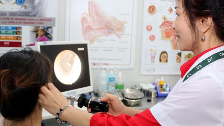 Phó Giáo sư, Tiến sĩ, Bác sĩ Lâm Huyền Trân