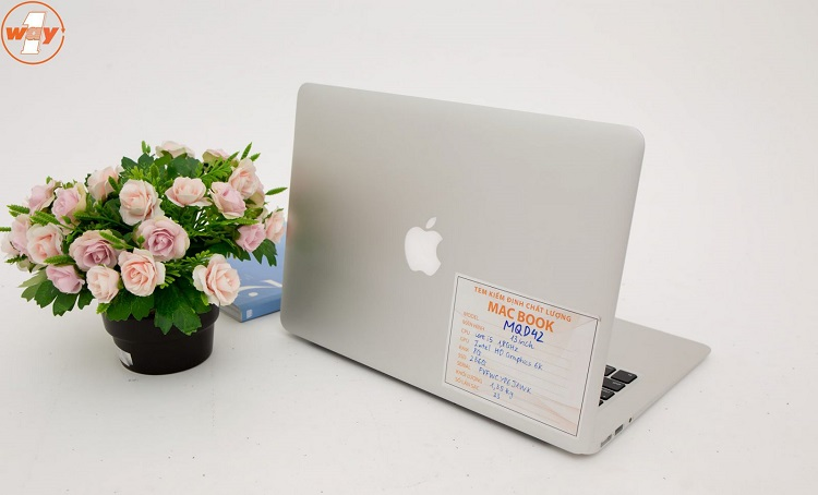 Mua macbook cũ ở Oneway MacBook TPHCM