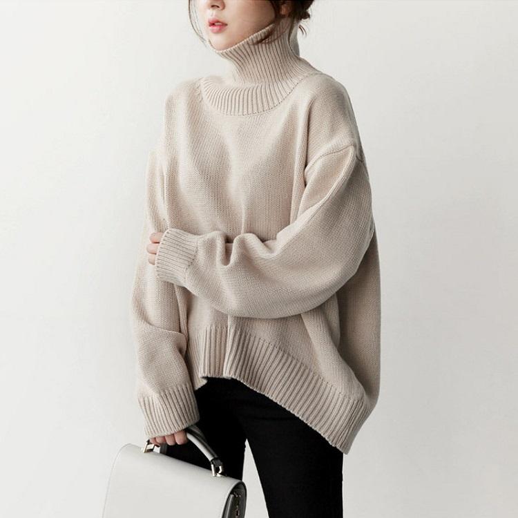 Cửa hàng Uniqlo là Shop bán áo len nữ ở TPHCM